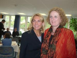 BM Gudrun Hock mit Marion Warden
